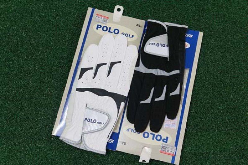 Sản phẩm găng tay Polo có 2 màu đen, trắng
