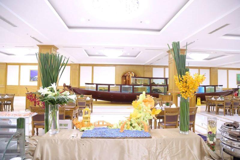 Nhà hàng cao cấp 5 sao bên trong sân golf Long Biên