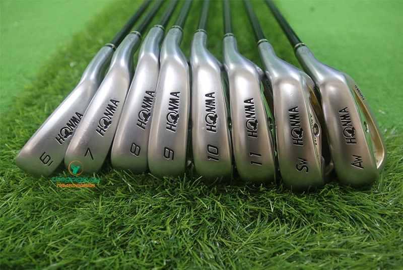 Bộ gậy golf Honma 2 sao IS02 irons bao gồm 8 gậy, chất lượng được kiểm định kỹ càng trước khi lên kệ