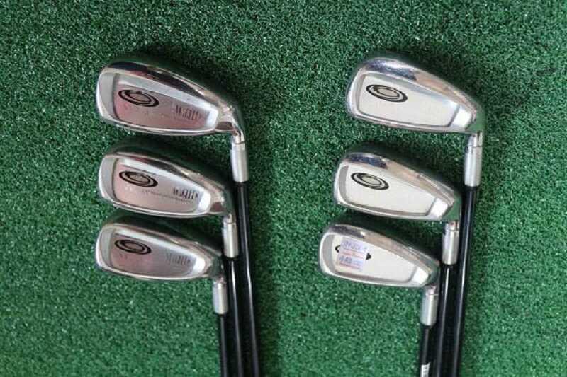 Tốc độ swing của gậy golf chậm giúp người chơi có thể kiểm soát tốt đường bóng