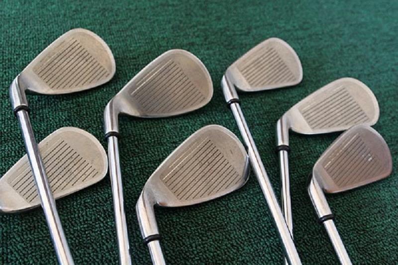 Taylormade iron set graphite có thiết kế độc đáo, giúp các golfer có những cú đánh bóng thẳng và chuẩn xác hơn