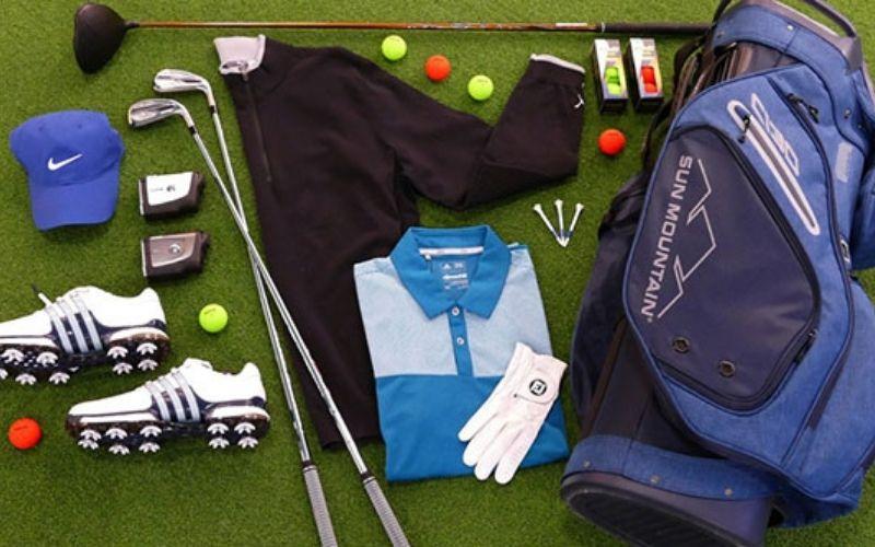 Trang phục chơi golf vô cùng cần thiết cho người mới