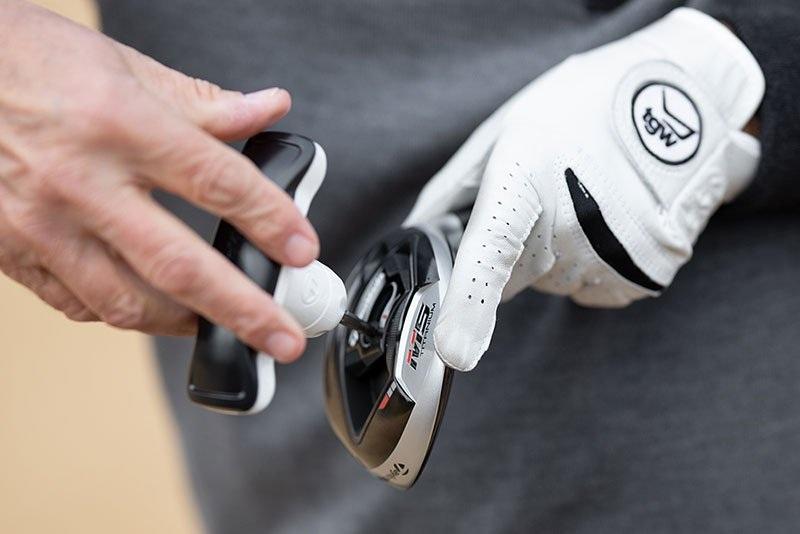 Gỗ fairway có thể điều chỉnh góc mặt gậy, góc loft và góc lie dễ dàng