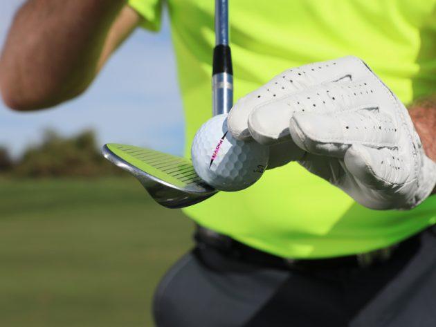 Hướng đẫn cách tạo xoáy bóng hiệu quả khi chip golf