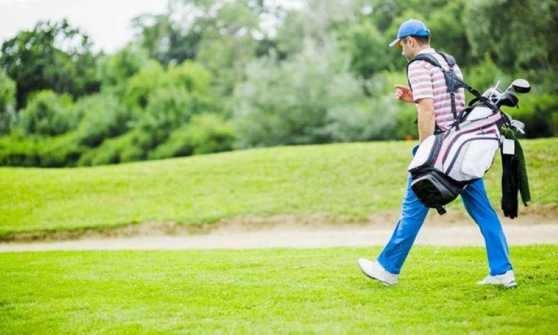 Cách xếp gậy golf vào túi ảnh hưởng rất lớn đến việc đi lại và thi đấu của golfer