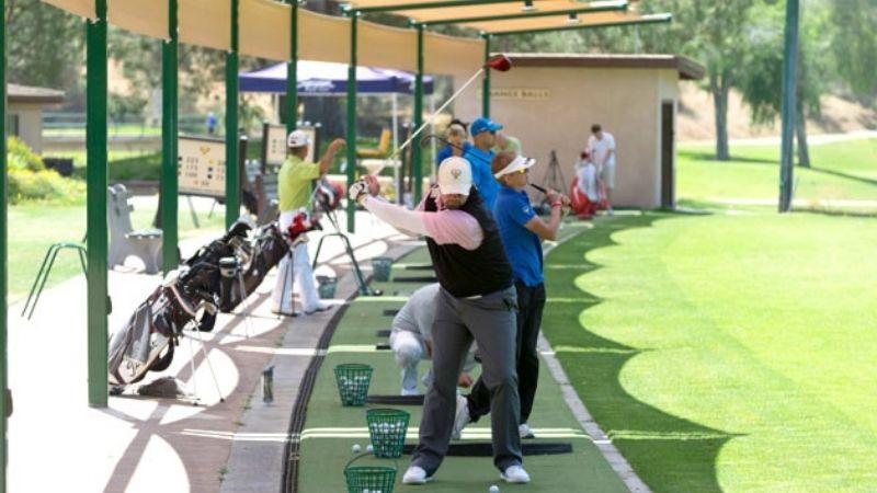 Ở những thành phố đông đúc khó có thể xây dựng sân golf với Driving Range đạt tiêu chuẩn