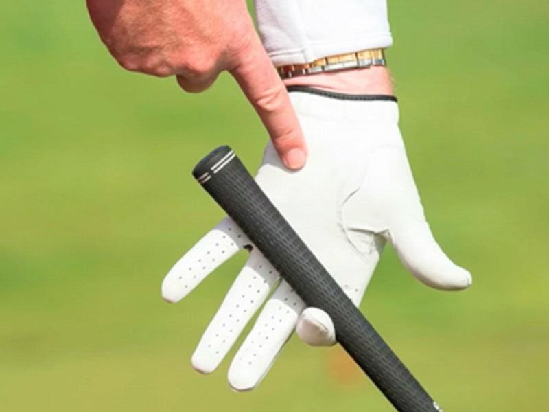 Tay cầm của gậy golf cần phải được kiểm tra liên tục để tránh ảnh hưởng tới hiệu suất đánh