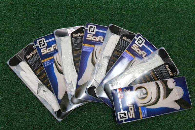 Găng tay Golf FootJoy được rất nhiều golfer chuyên nghiệp sử dụng
