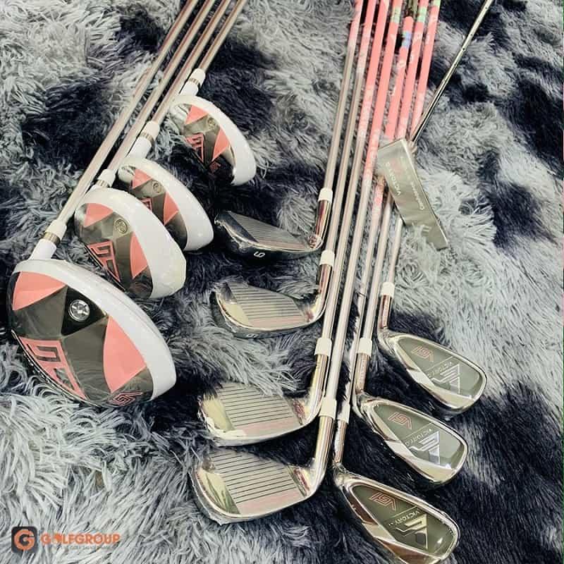 Để làm ra những chiếc gậy này cần sự góp sức của hàng trăm chuyên gia và nghệ nhân