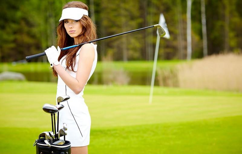 Các mẫu gậy golf nữ cũ hiện đang là mặt hàng được nhiều chị em golfer tìm kiếm