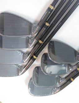 Mặt gậy Mutsumi Honma golf được thiết kế mở rộng làm tăng điểm ngọt giúp người chơi dễ dàng vào bóng hơn.