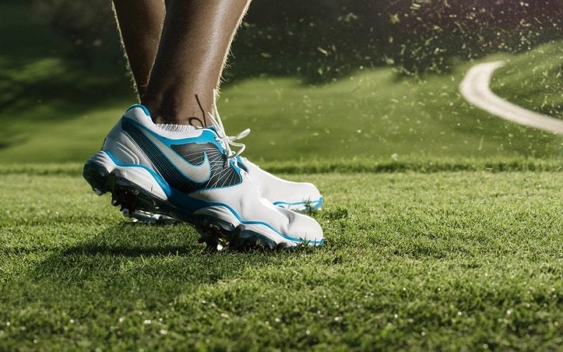 Mua giày phù hợp với đôi chân