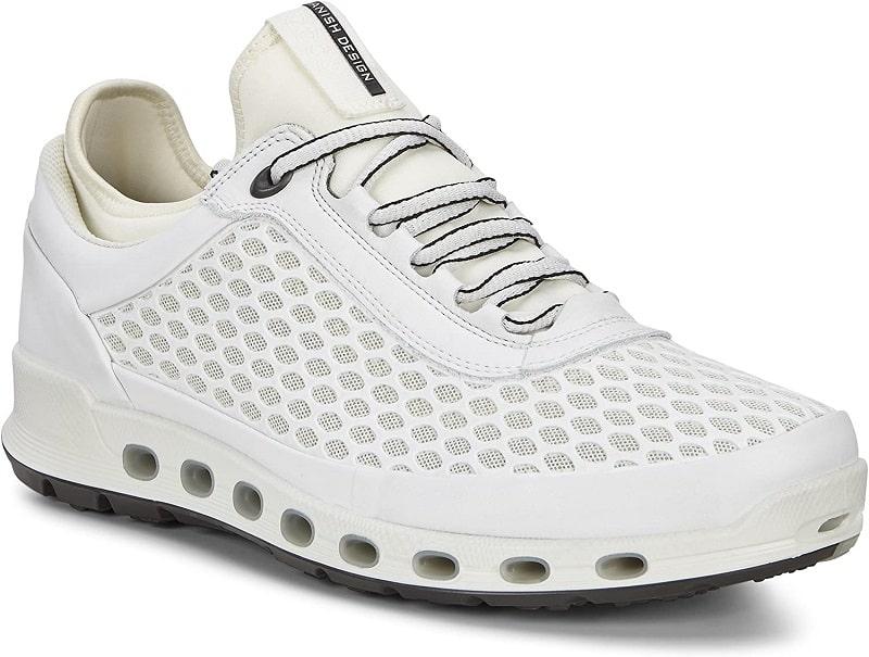 Giày golf được thiết kế theo phong cách Scandinavia kết hợp với các tính năng vượt trội
