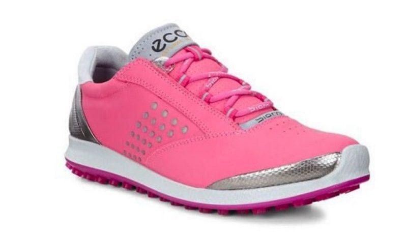 Giày golf Ecco BIOM Hybrid 2 được làm bằng chất liệu da bò Tây Tạng mềm mại