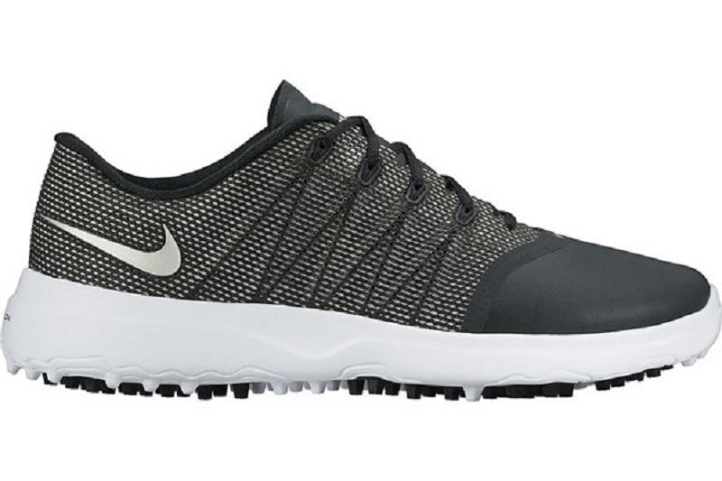 Giày chơi golf Lunar Empress sử dụng upper bằng vải không may mang đến sự thoải mái