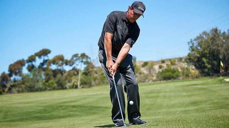 Kỹ thuật chipping golf trong sân golf