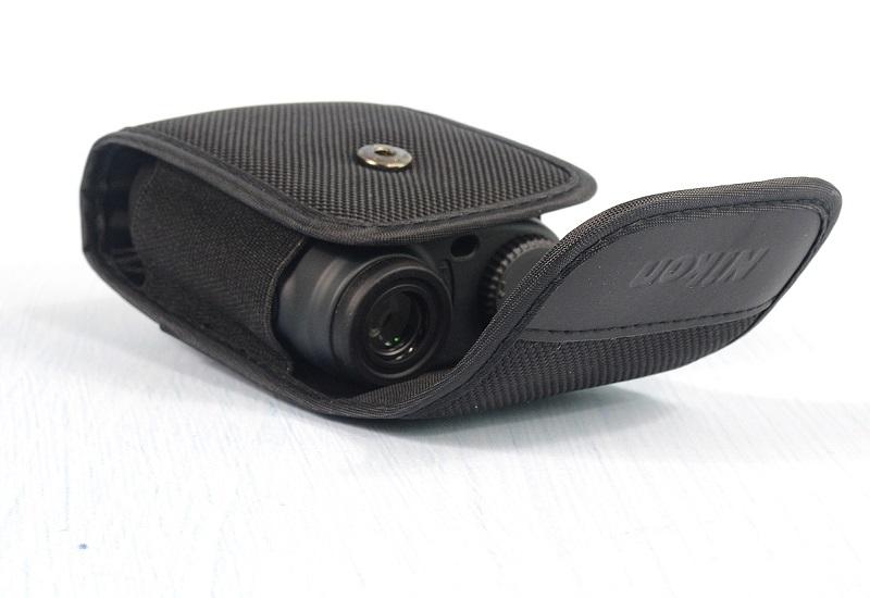 Ống nhòm Nikon Aculon AL11 nhỏ gọn, tiện lợi và sử dụng rất dễ dàng