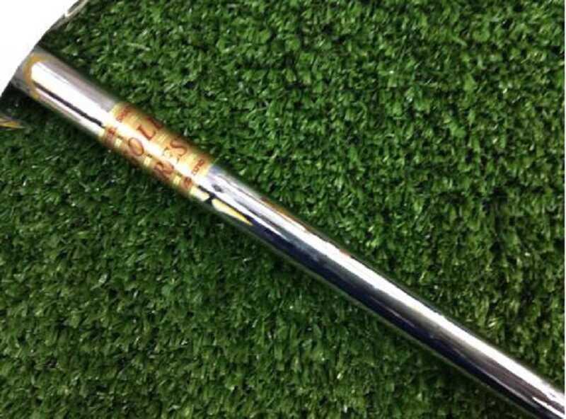 Grip và shaft gậy còn nguyên bản