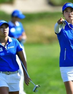 quần áo đánh golf nữ