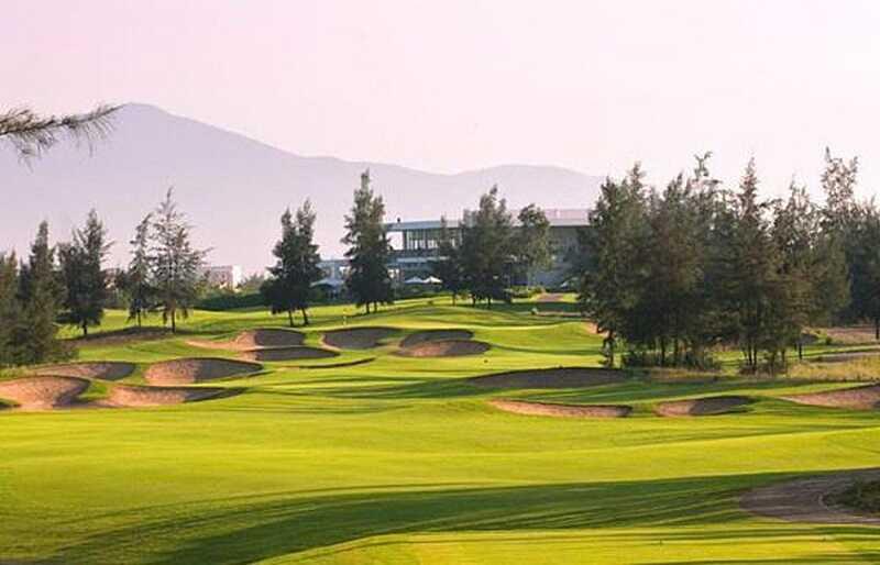 Sân golf Montgomerie Links là một trong những sân lý tưởng nhất của nhiều golf thủ