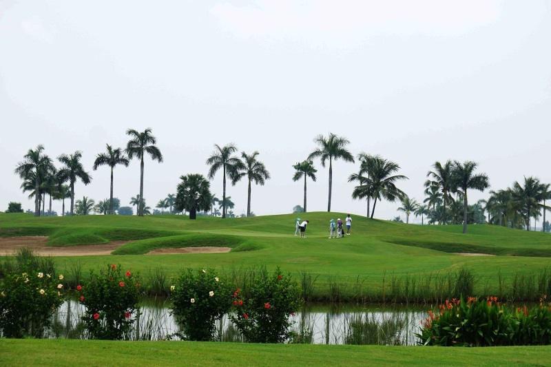 Sân golf Nhơn Trạch mang đến cho du khách những trải nghiệm đẳng cấp
