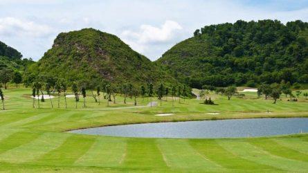 sân golf hoàng gia