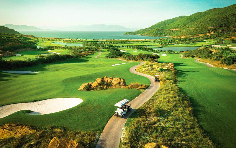 Toàn cảnh sân golf Kim Bảng nhìn từ trên cao