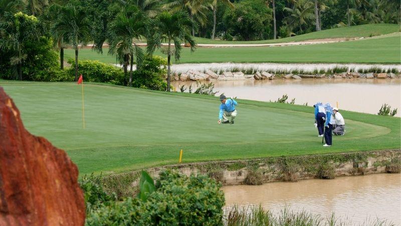 Golfer cần sử dụng nhiều kỹ thuật để vượt qua các thử thách