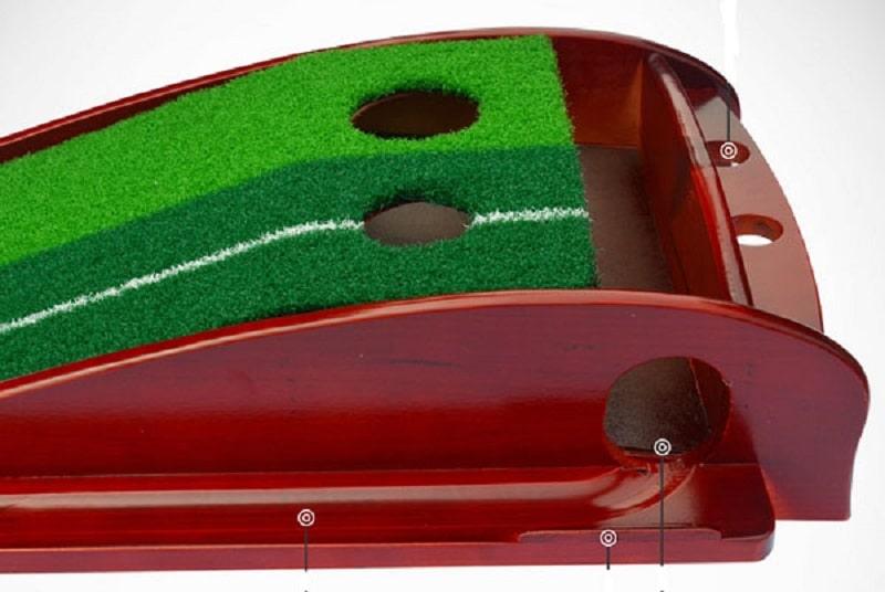 Thảm tập golf giúp bạn nâng cao kỹ năng đánh bóng trên bề mặt green ngay tại nhà