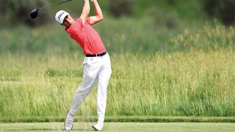 Tay golf nổi tiếng Justin Thomas sử dụng giày golf FootJoy