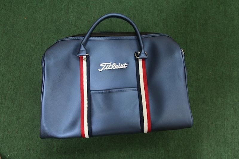 Túi xách golf đựng quần áo Titleist được rất nhiều golfer nổi tiếng tin tưởng lựa chọn