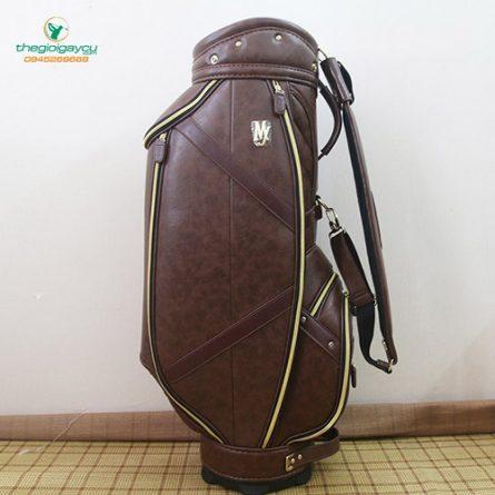 Majesty golf bag da nâu có độ bền khá cao và khả năng chống nước tuyệt vời