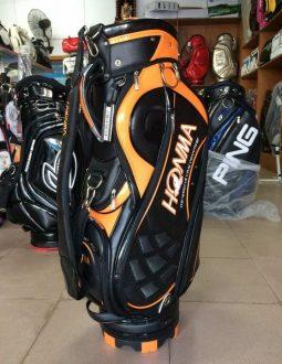 Túi golf Honma cao cấp được ưa chuộng sử dụng do có thiết kế tinh tế, giúp người dùng thể hiện phong cách và cá tính riêng của mình. Hiện nay, đây là một trong những dòng sản phẩm bán chạy nhất trên thị trường thời trang golf.