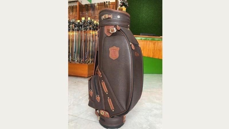 Túi Honma CB2817 được rất nhiều golfer lựa chọn sử dụng