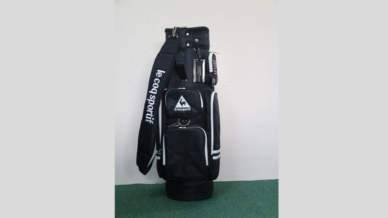 Túi golf Le Coq Sportif là sản phẩm của thương hiệu thời trang golf ở Pháp