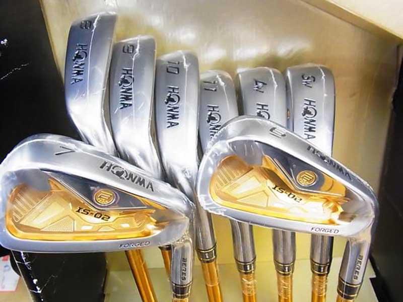 Gậy sắt golf được dùng cho những cú đánh với khoảng cách ngắn