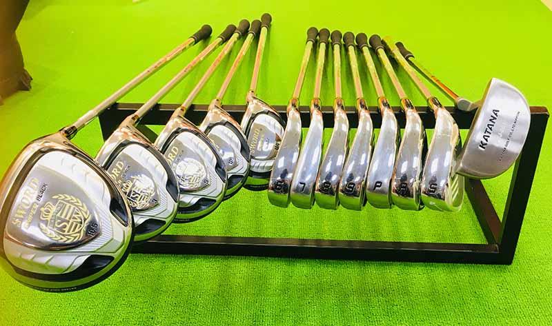 Bộ gậy golf fullset Katana Sword Sniper Black gồm có 13 gậy