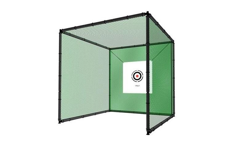 Dụng cụ tập golf trong nhà chắc chắn phải có lồng lưới