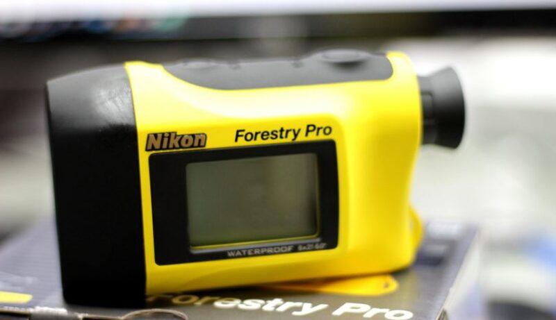 Ống nhòm đo khoảng cách golf Rangefinder Forestry Pro II cung cấp chất lượng hình ảnh cực kỳ sắc nét