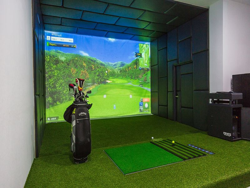 Phòng golf 3D sẽ phải lắp đặt hệ thống mô phỏng cùng các trang thiết bị hỗ trợ