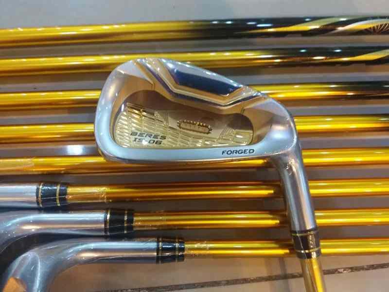 Các dòng gậy golf Honma 4 sao đều có vẻ ngoài sang trọng, với hiệu suất cú đánh đỉnh cao
