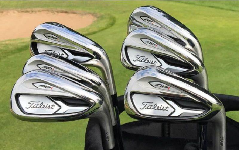 Gậy golf Titleist AP1 có thiết kế ấn tượng với vẻ ngoài tao nhã