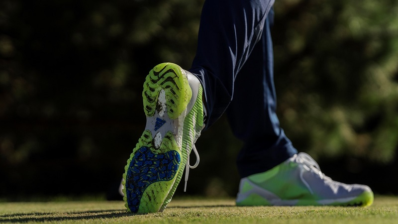 Giày Adidas có rất nhiều ưu điểm vượt trội, phù hợp với golfer