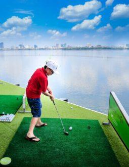 Bóng golf nổi được sử dụng nhiều ở các khu luyện tập có hướng nhìn ra mặt hồ