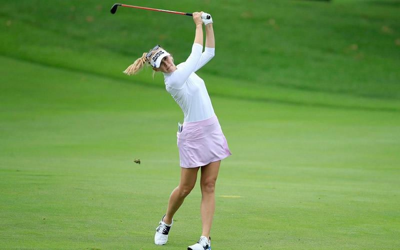 Kiểu áo golf nữ tay dài của Adidas
