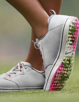 Giày golf Callaway được làm từ chất liệu cao cấp giúp chống nước, chống thấm hiệu quả