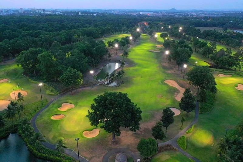 Sân được thiết kế theo tiêu chuẩn sân golf quốc tế