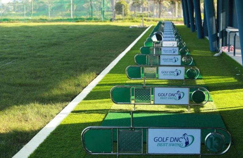 Sân tập golf tại công viên Thanh Niên, trung tâm thành phố Đà Nẵng