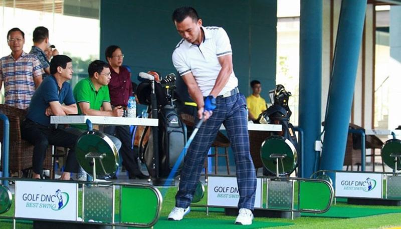 Nhiều golf thủ lựa chọn sân golf Xuân Thủy Đà Nẵng để luyện tập