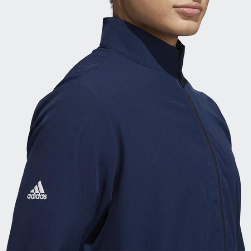 Áo Core Adidas có màu xanh navy trẻ trung, hiện đại
